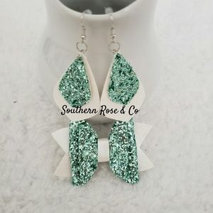 Mommy & me earring and bow set